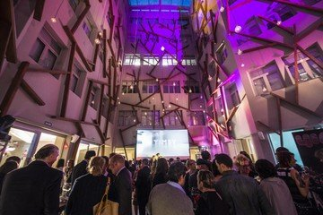Rest der Welt corporate event venues Meetingraum Yimby Bilbao - Yard image 5