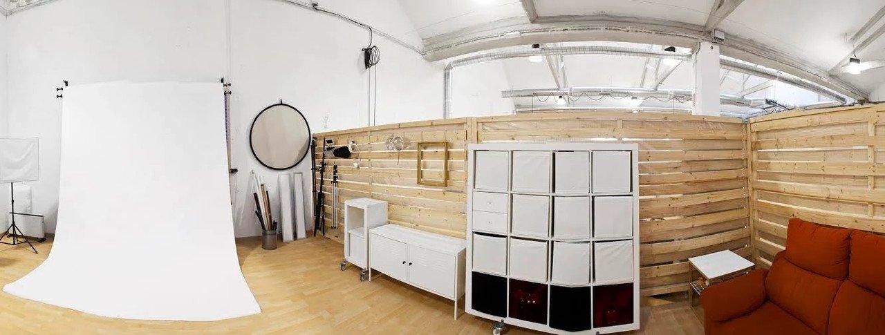 Barcelona workshop spaces Photography studio CREC Coworking - Photography Studio image 0