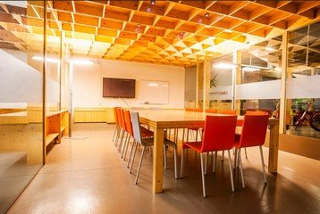 Barcelona training rooms Meetingraum CREC Coworking - Sala 2  image 0