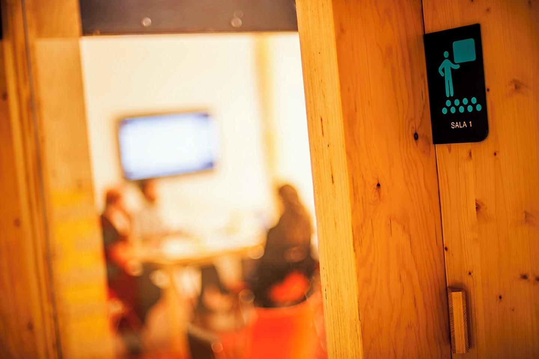 Barcelona training rooms Meetingraum CREC Coworking - Sala 1 image 2