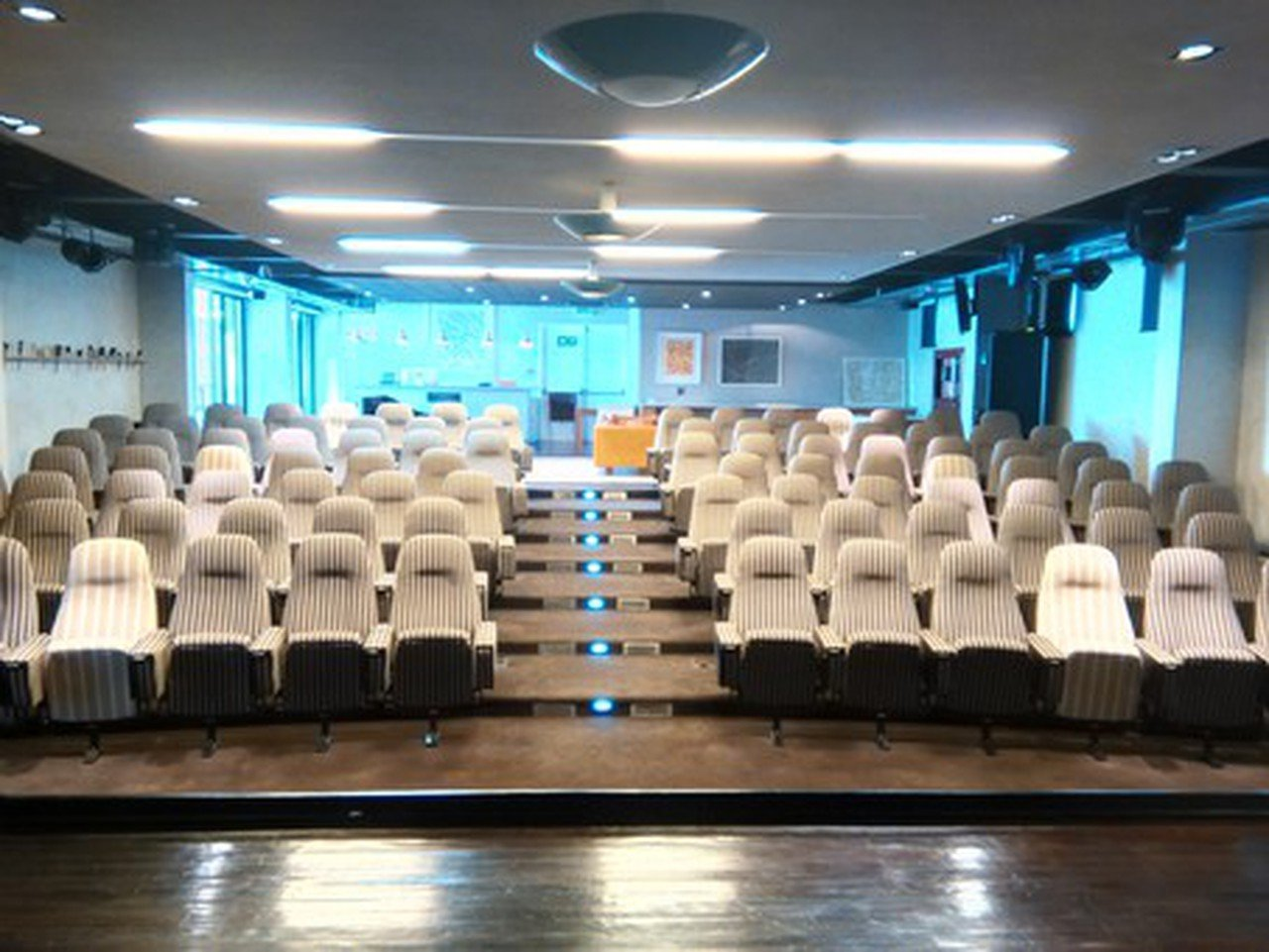 Kapstadt seminar rooms Auditorium Ideas Cartel - Auditorium image 0