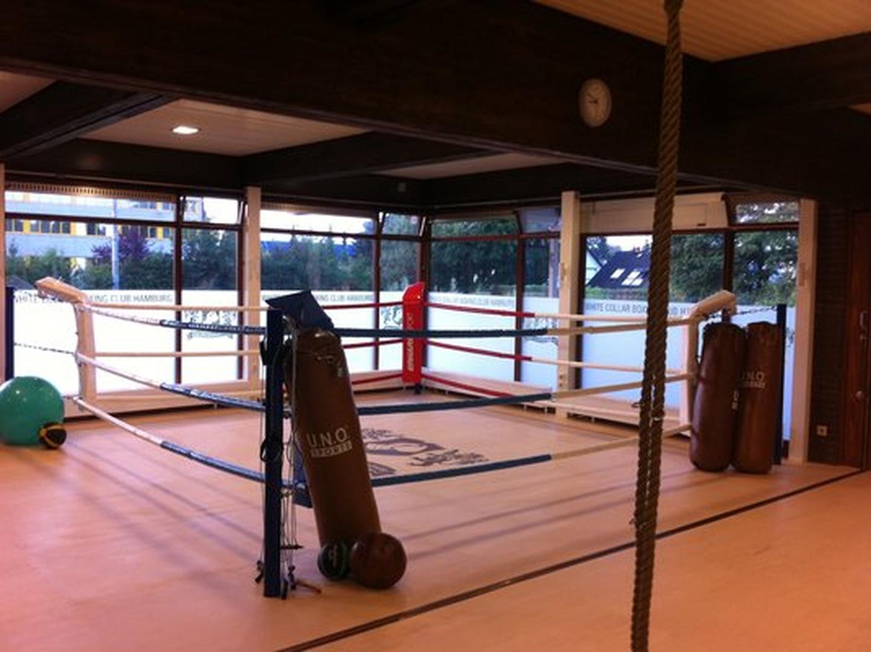 Hamburg workshop spaces Unusual White Collar Boxing Club image 1