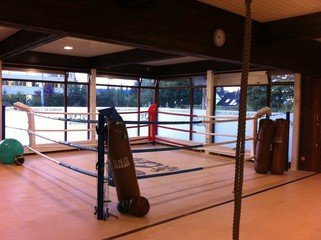 Hamburg workshop spaces Lieu Atypique White Collar Boxing Club image 1