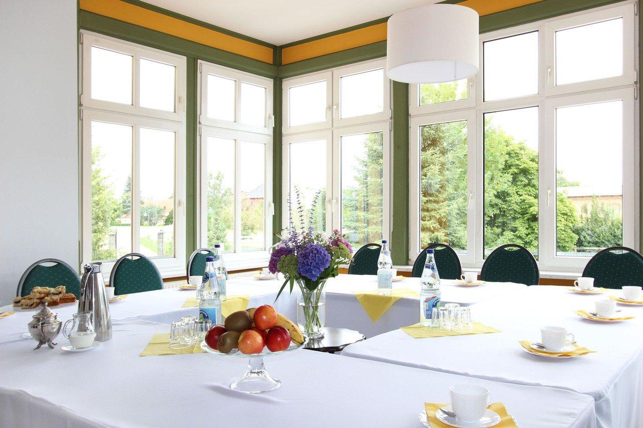 Berlin training rooms Patio / Cour extérieure Gutshof Wilsickow image 0