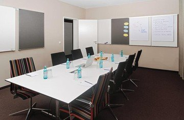 Frankfurt Konferenzräume Meeting room MEET/N/WORK - Presentation Room image 1
