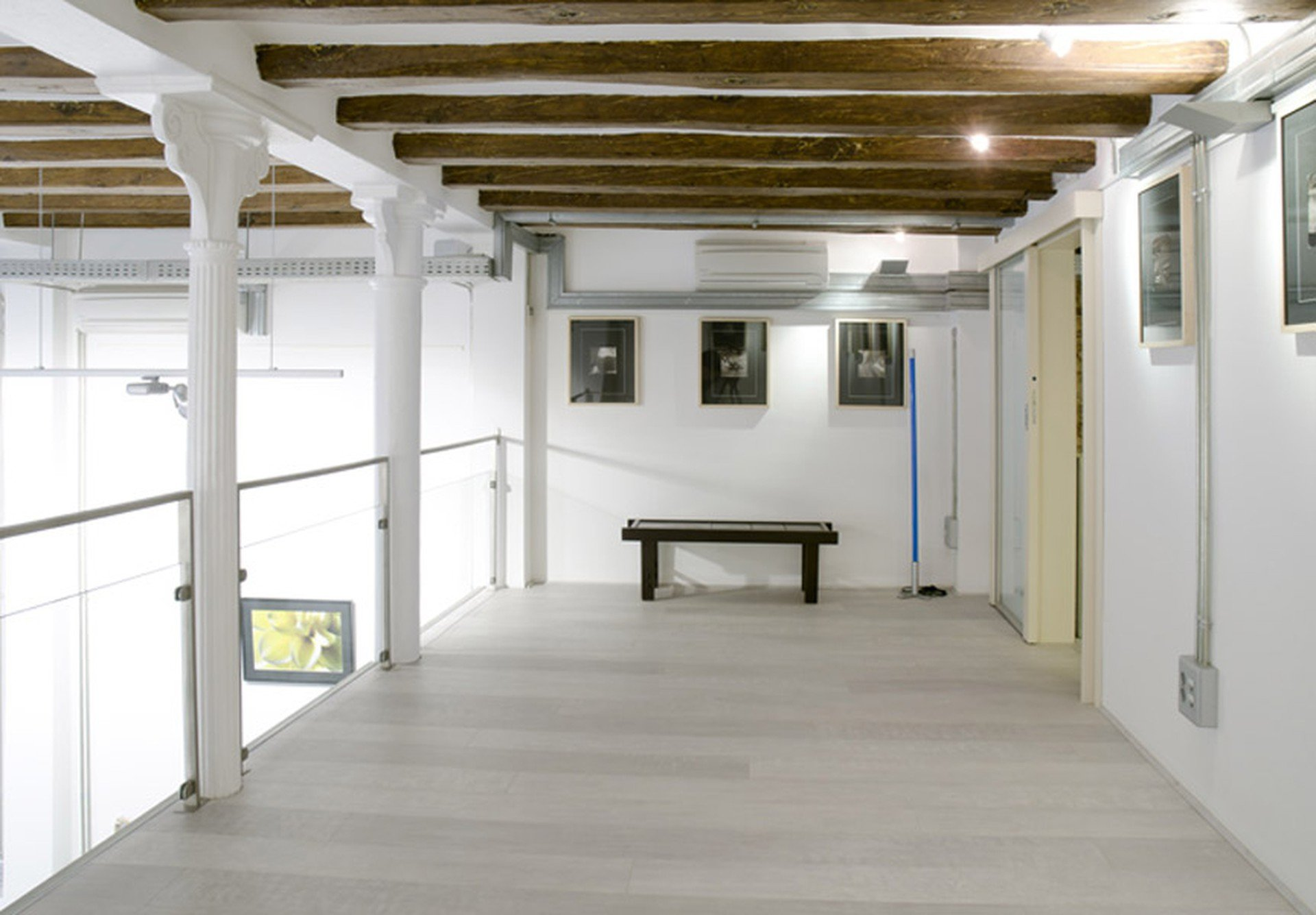 Barcelona workshop spaces Meeting room Mezanina - 2nd Floor Main Room image 0