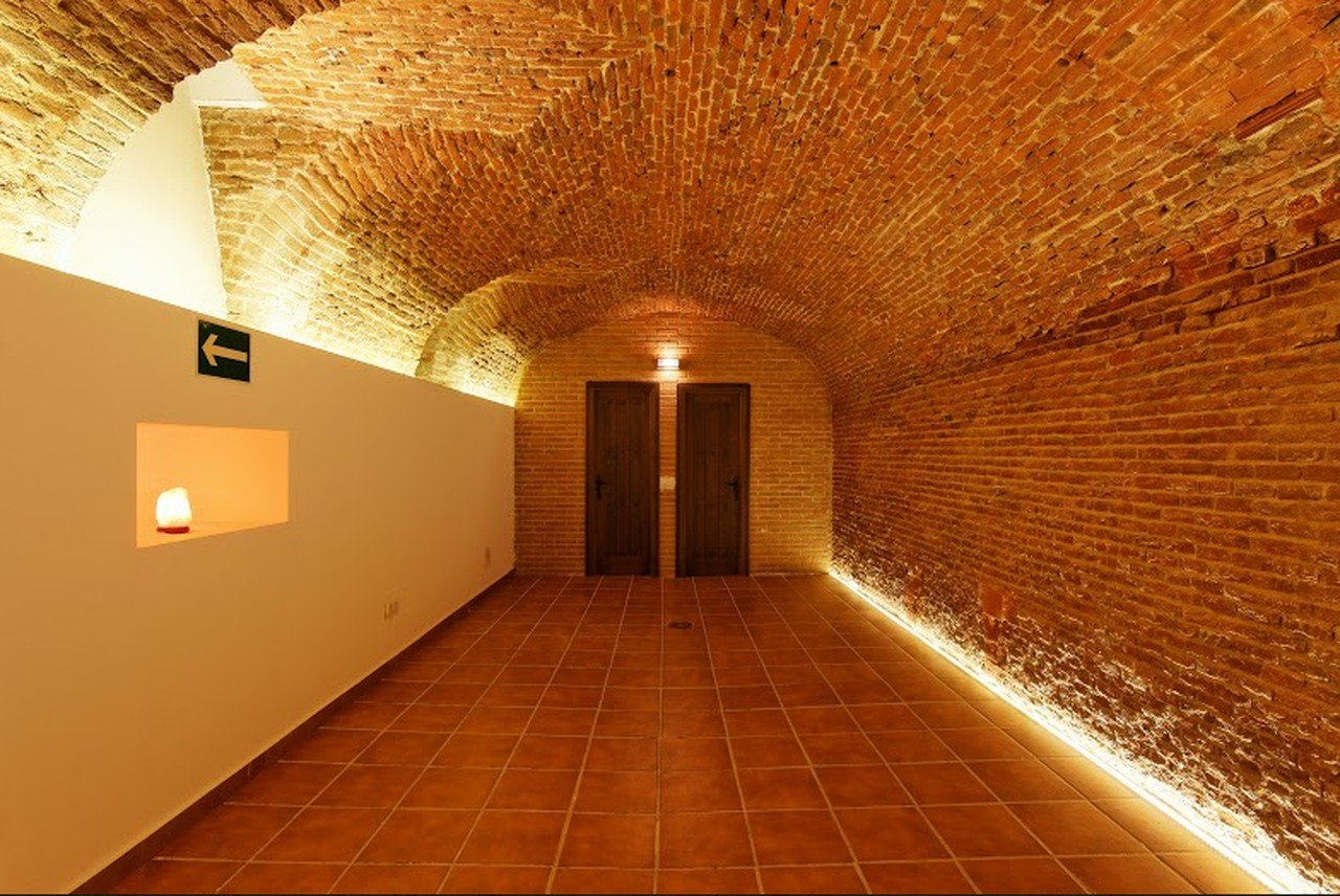 Madrid corporate event venues Lieu Atypique Puente Creativa - La Cueva Polarchos image 0