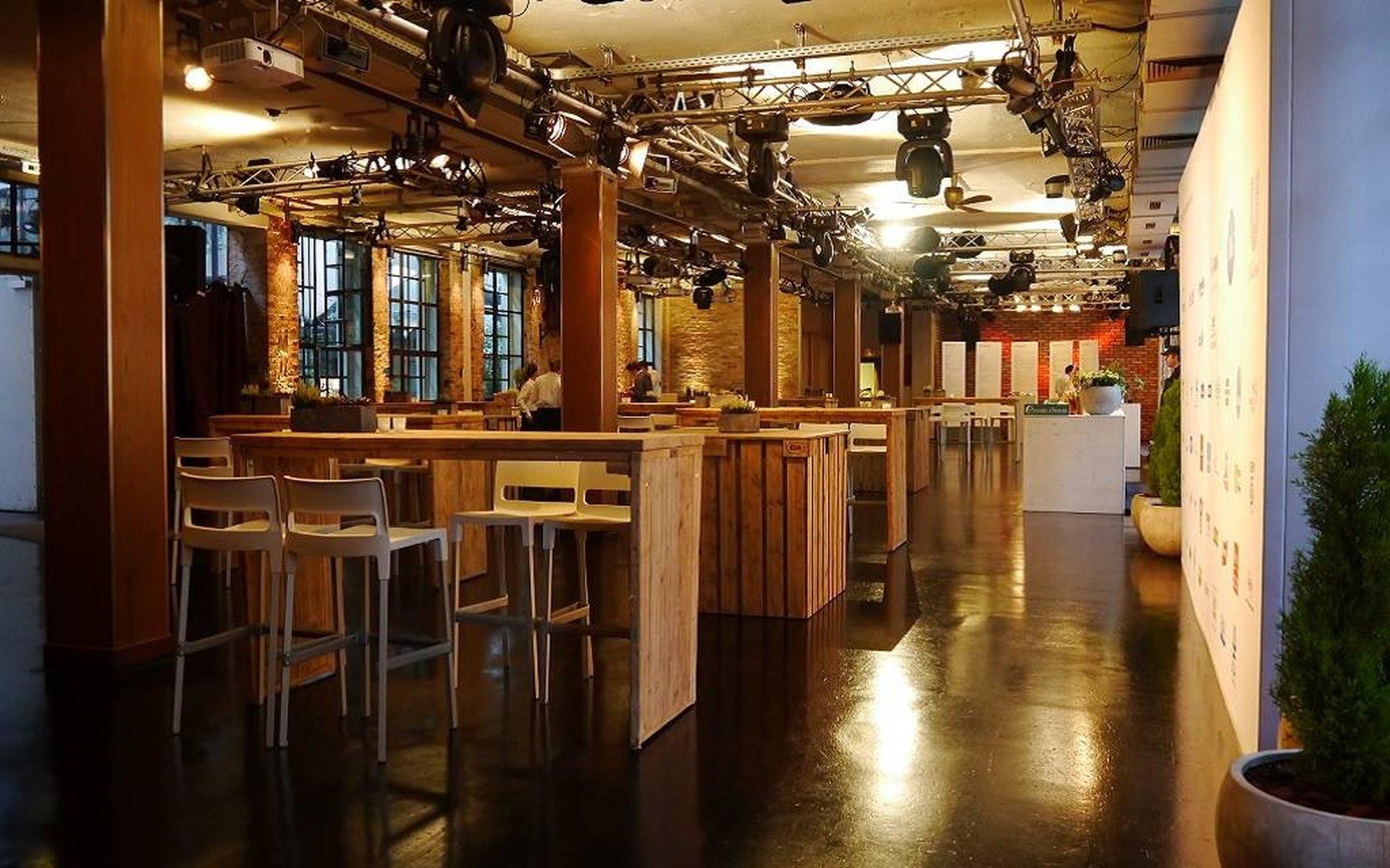 Berlin corporate event venues Party room Kalkscheune - Der Saal image 0