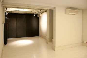 Barcelone training rooms Galerie d'art Espai D - Basement image 2