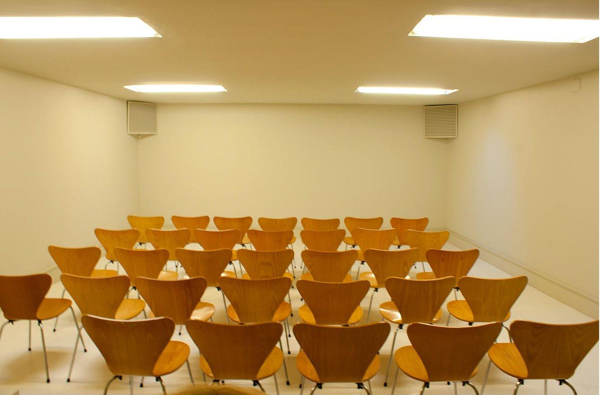 Barcelona training rooms Galerie Espai D - Basement image 0