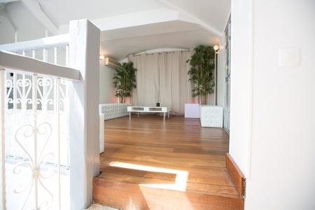 Paris corporate event venues Salle de réception LE LOFT, espace de 100, 200 ou 300 m2 avec 8 m de hauteur sous verrière  image 3