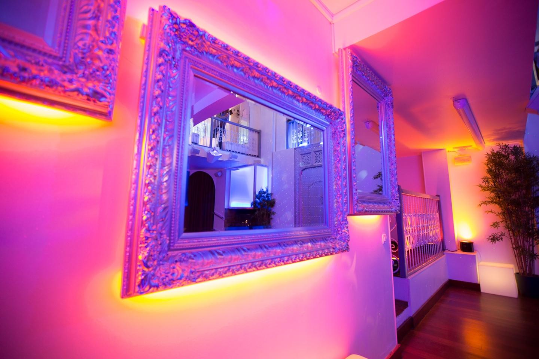 Paris corporate event venues Salle de réception LE LOFT, espace de 100, 200 ou 300 m2 avec 8 m de hauteur sous verrière  image 2