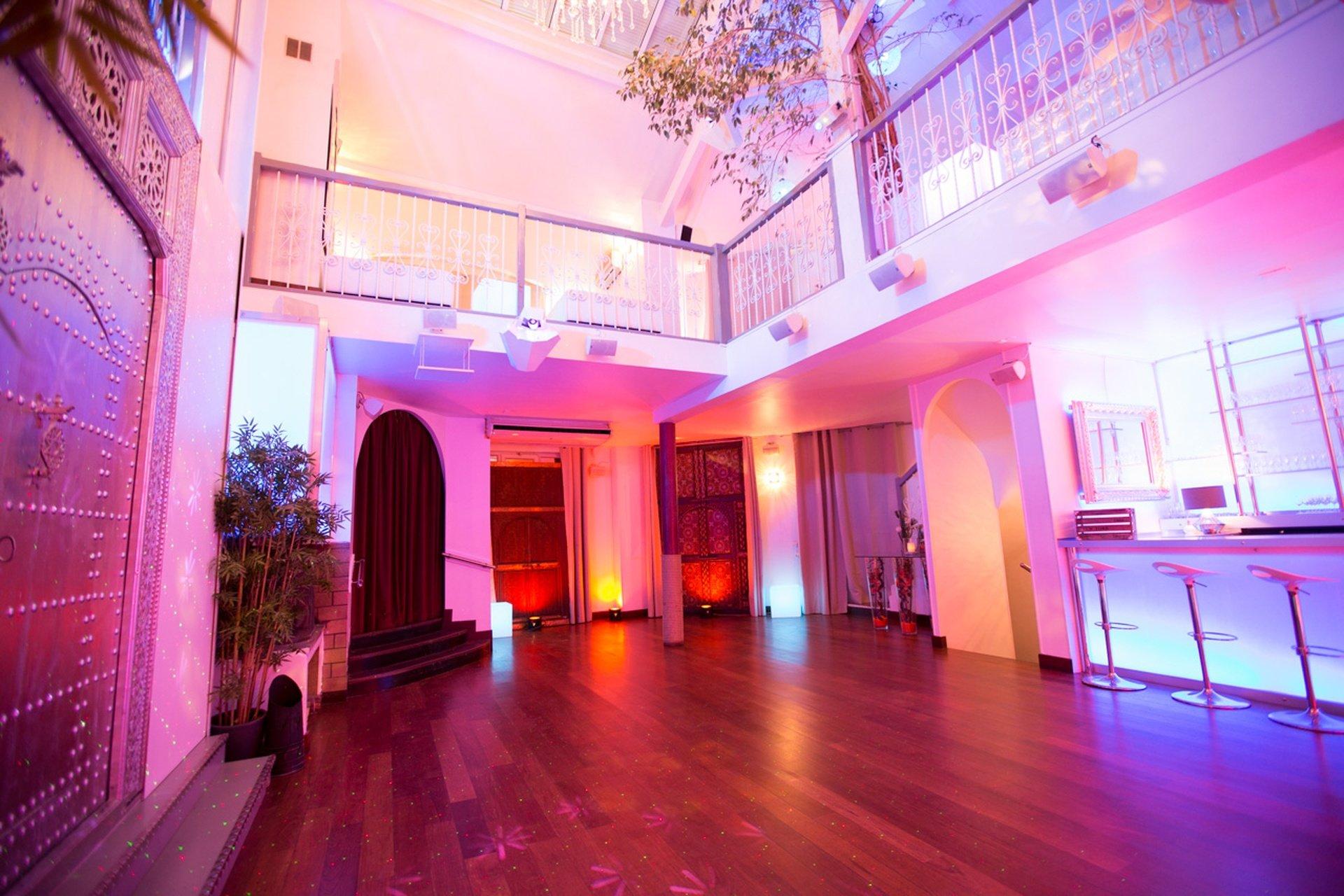 Paris corporate event venues Salle de réception LE LOFT, espace de 100, 200 ou 300 m2 avec 8 m de hauteur sous verrière  image 0