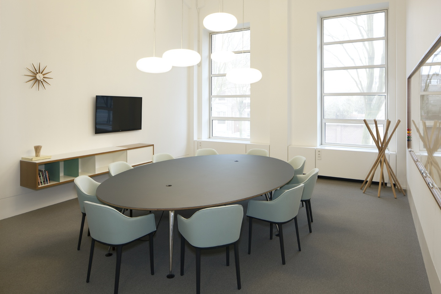 The Hague Train station meeting rooms Meeting room Spaces Rode Olifant - Room 6 image 0
