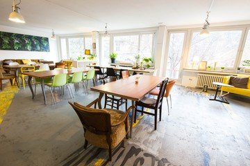Solution Space Wohnzimmer Café Mieten In Cologne