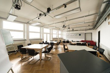 Hamburg training rooms Salle de réunion Design Factory International - Room 03 image 6