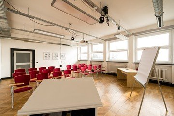 Hamburg training rooms Salle de réunion Design Factory International - Room 06 image 5