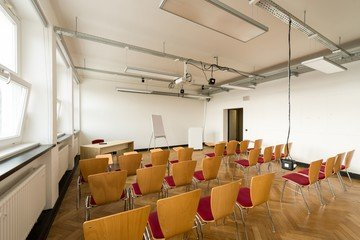 Hamburg training rooms Salle de réunion Design Factory International - Room 06 image 6