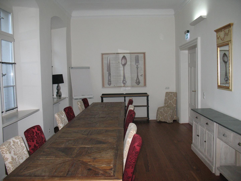 Frankfurt am Main seminar rooms Historische Gebäude Hotel Karolingerhof Dormitorium image 1