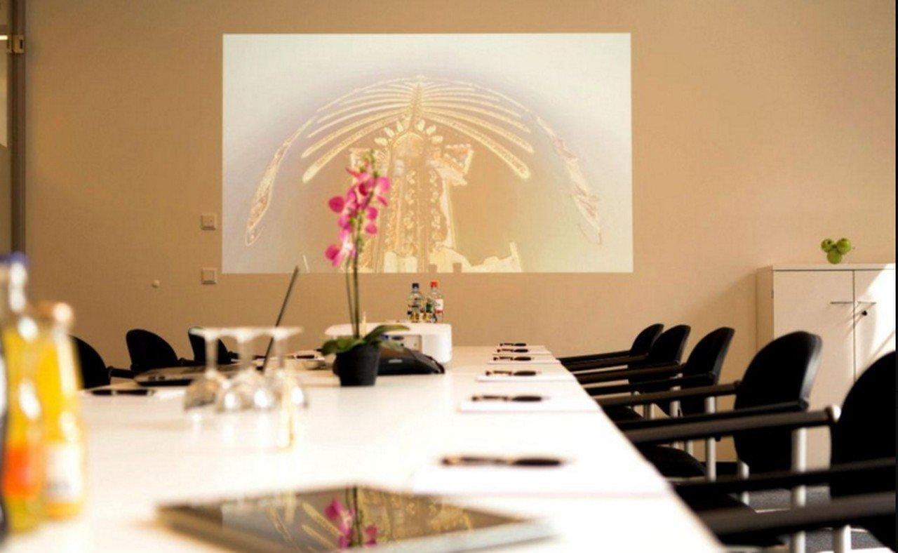 Hamburg seminar rooms Meetingraum ABC Business Center HafenCity Konferenzraum Dubai image 1
