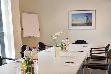 Hamburg seminar rooms Meetingraum ABC Business Center HafenCity Konferenzraum Dubai image 2