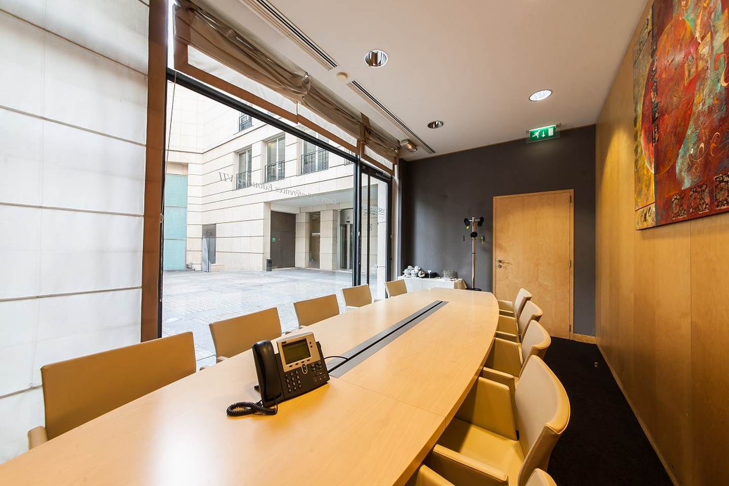 Paris corporate event venues Meeting room SERVCORP - Edouard VII Conference Center - Singapore Boardroom image 1