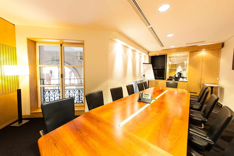 Paris corporate event venues Meetingraum SERVCORP - Edouard VII Conference Center - Dubai Meeting room image 0