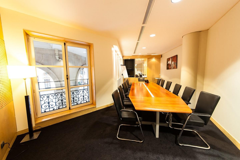 Paris corporate event venues Meetingraum SERVCORP - Edouard VII Conference Center - Dubai Meeting room image 1