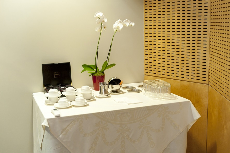 Paris corporate event venues Meetingraum SERVCORP - Edouard VII Conference Center - Dubai Meeting room image 2