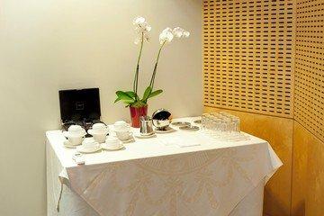 Paris corporate event venues Salle de réunion Servcorp Centre de Conférences Edouard VII image 2
