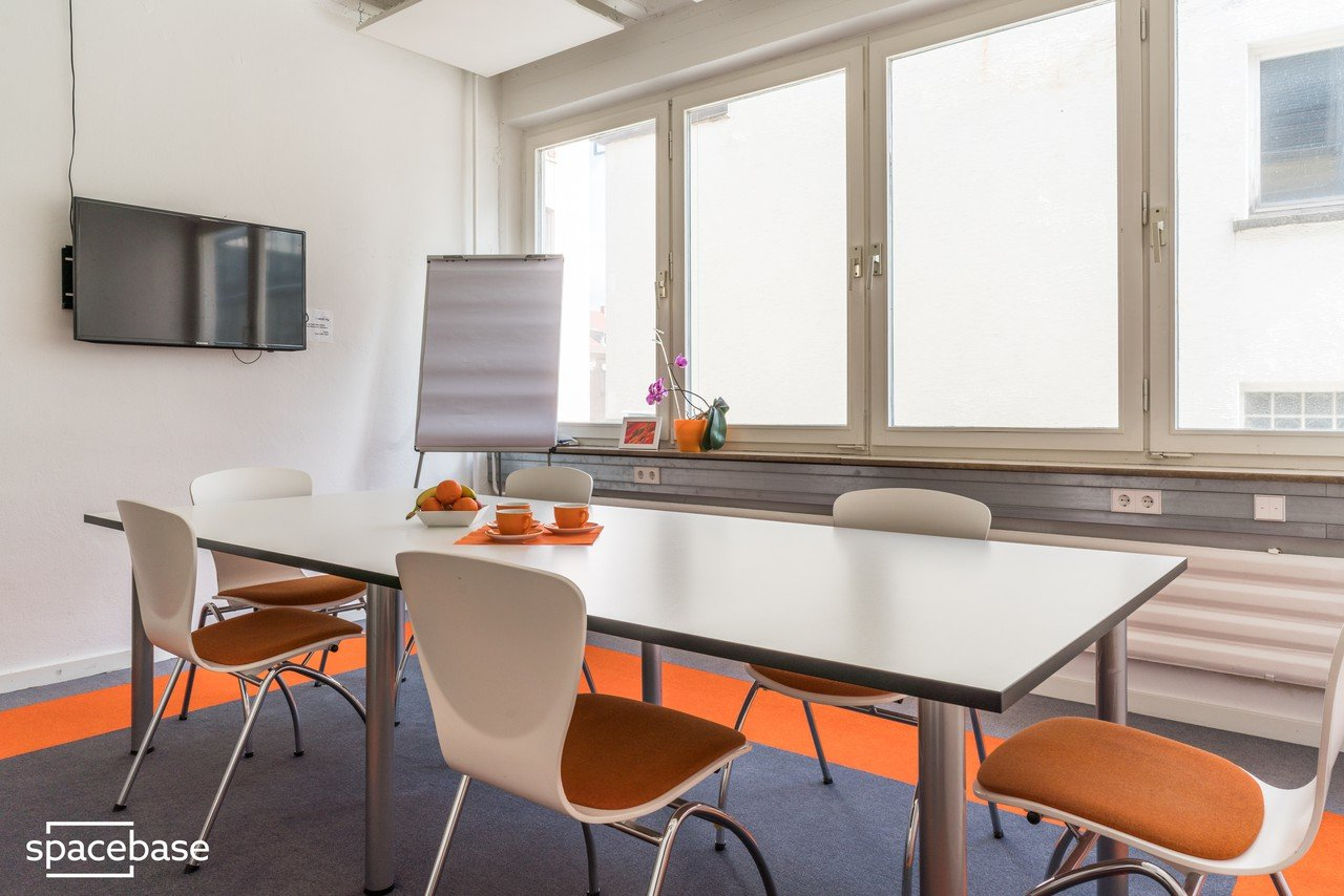 Stuttgart workshop spaces Meeting room Orange Space image 1