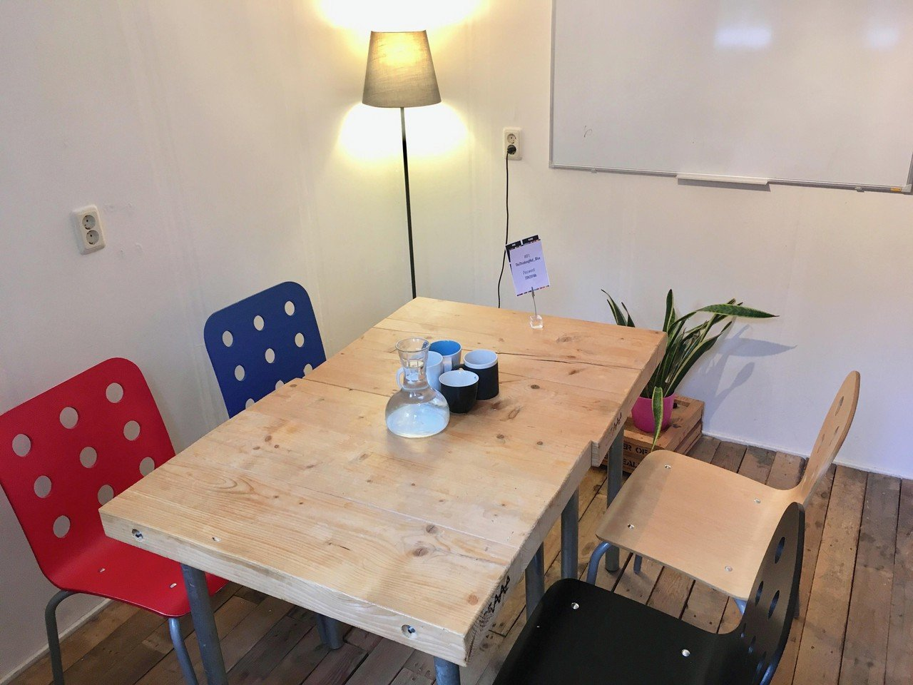 Amsterdam conference rooms Coworking Space The Thinking Hut - Coaching Room image 1