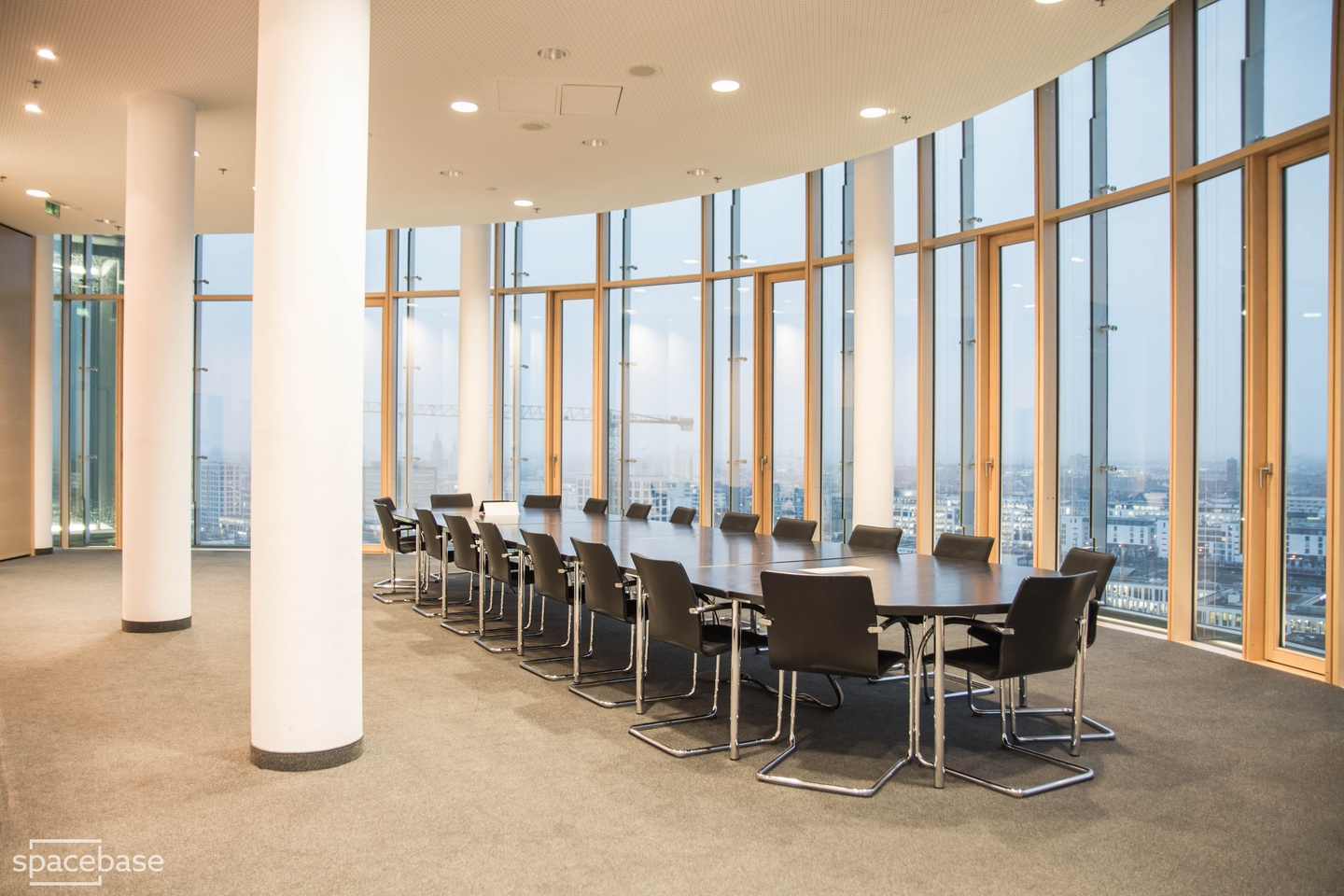 Munich training rooms Salle de réunion 360 grad tower small conference room image 4