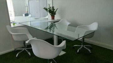 Barcelona training rooms Coworking Space Start2bee Verdi Park Guell image 2