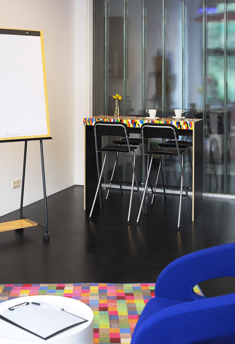 Berlin conference rooms Coworking space Meeet AG Mitte - Room Play image 1