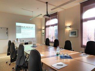 Frankfurt am Main training rooms Meetingraum Großer Schulungsraum 36 m² image 4