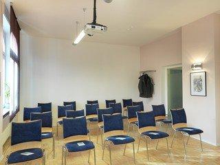 Frankfurt am Main training rooms Meetingraum Großer Schulungsraum 36 m² image 3