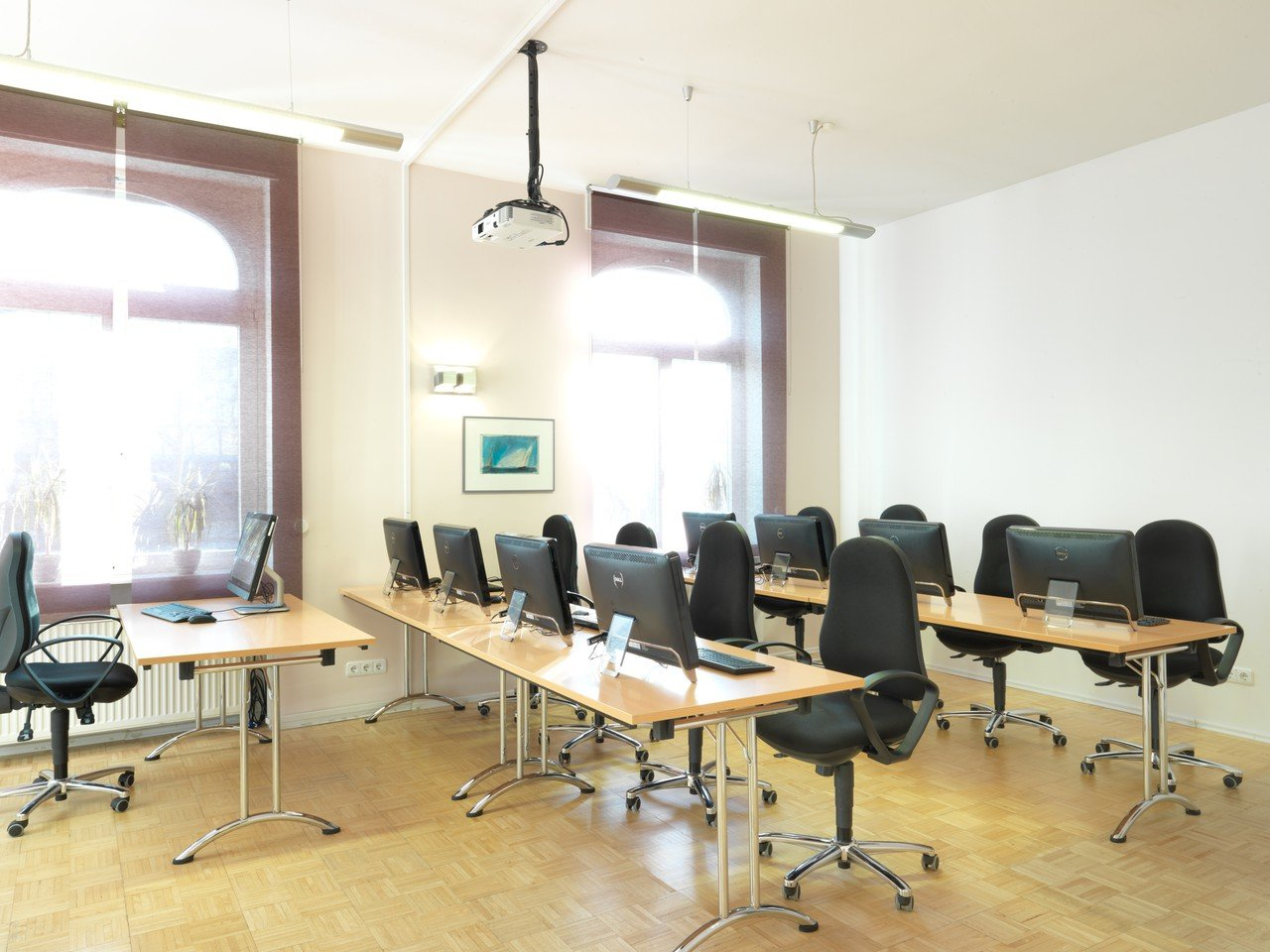 Frankfurt am Main training rooms Meetingraum Großer Schulungsraum 36 m² image 0