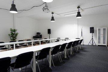 Düsseldorf Train station meeting rooms Salle de réunion k25 Schulungscenter image 4