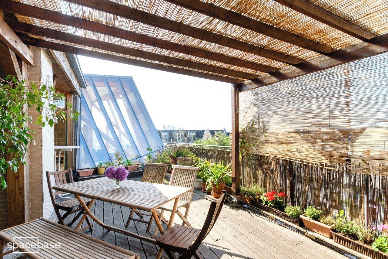 bali penthouse raum der sonne mieten in berlin. Black Bedroom Furniture Sets. Home Design Ideas