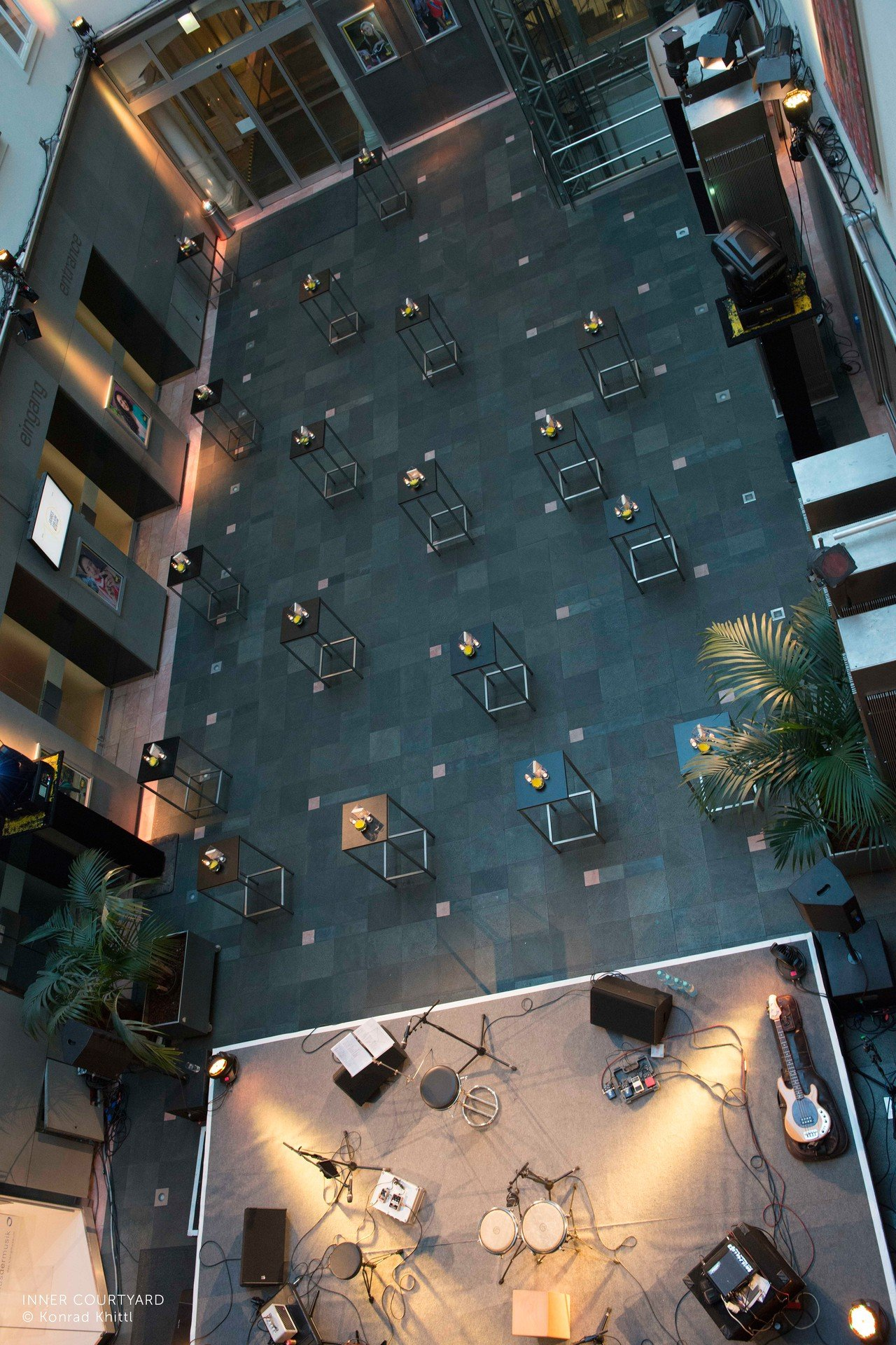 Vienna workshop spaces Patio / Cour extérieure Haus der Musik - Inner Courtyard image 2