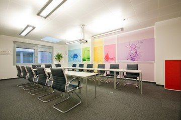 Vienna training rooms Espace de Coworking ipcenter.at - color room image 0