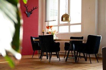 Frankfurt workshop spaces Meeting room Bright and spacious loft in industrial port image 10