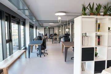 Francfort workshop spaces Espace de Coworking Coworking-M1 / Combination of different rooms image 5