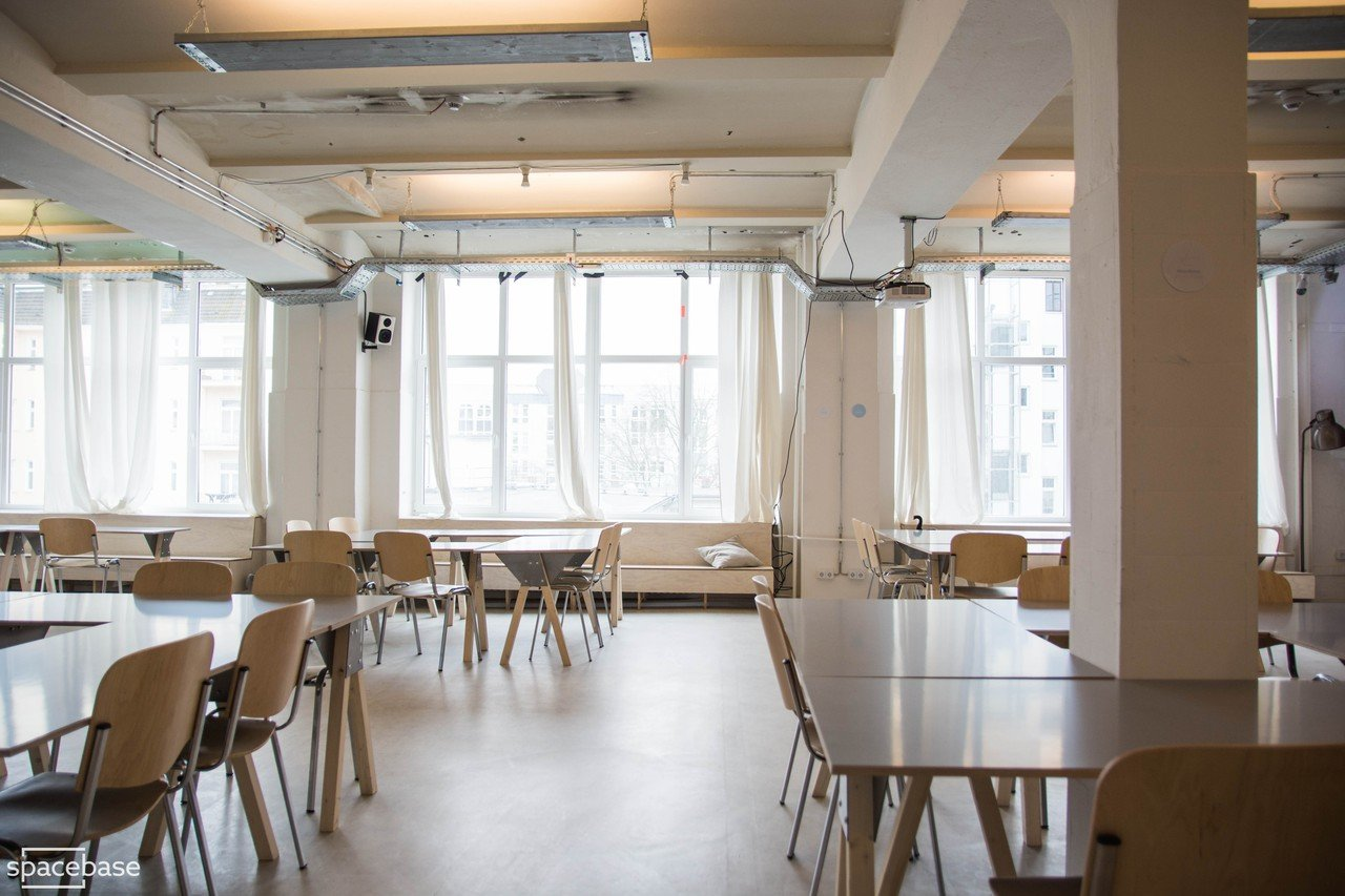 Berlin corporate event venues Espace de Coworking Ahoy! Berlin - Open Room image 1