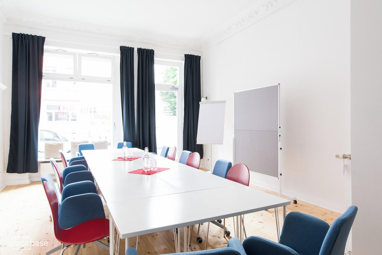 Berlin Train station meeting rooms Salle de réunion Anton & Luisa - Meeting room image 1