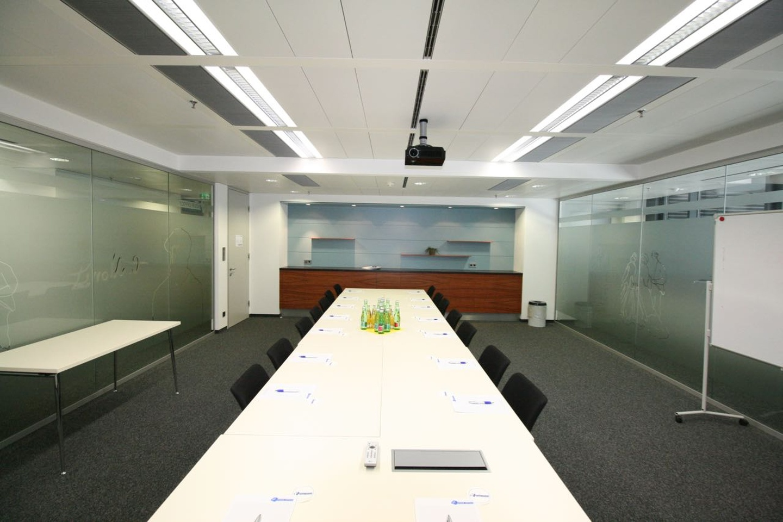 Vienna conference rooms Salle de réunion Your Office - Monet image 2