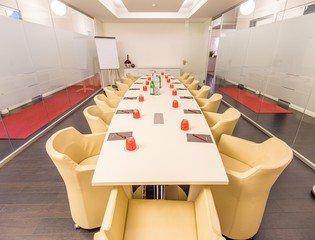 Hamburg Seminarräume Salle de réunion Satellite Office Hamburg - Elbesaal image 5