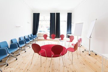 Berlin Train station meeting rooms Meetingraum Anton & Luisa - Combined Workshop Space image 7
