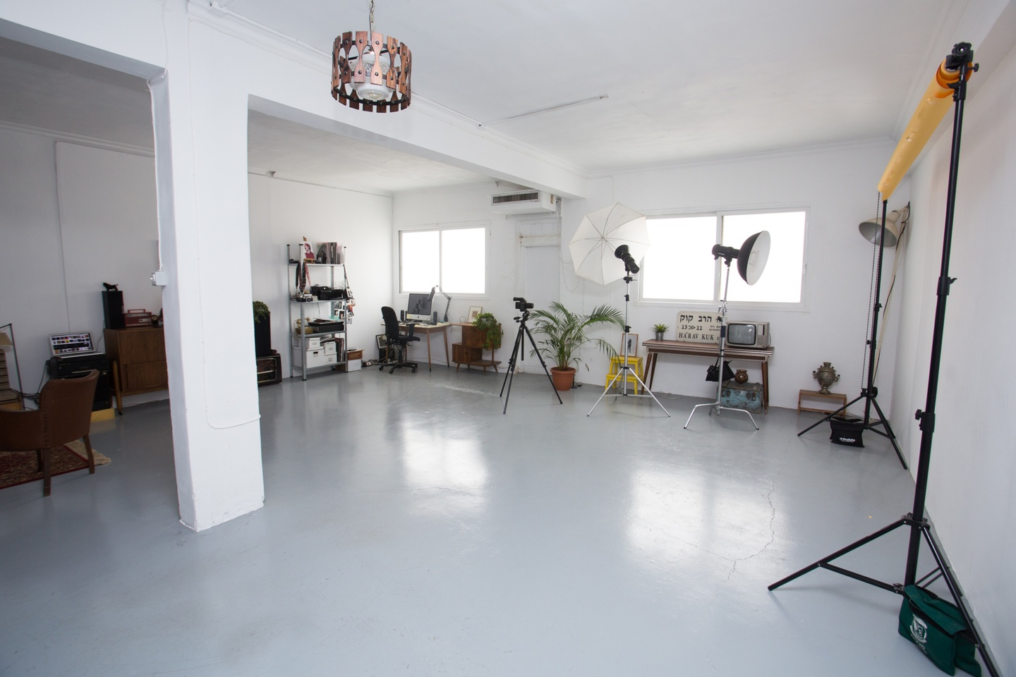 Tel Aviv workshop spaces Salle de réunion Spacious  photographers loft for events and meetings image 0